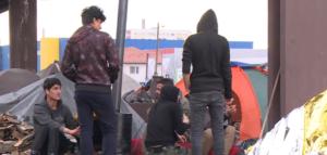 INTERVENISALA ŽANDARMERIJA: Izbili neredi u migrantskom kampu Bogovađa! CENTAR OSTAO DEMOLIRAN I RAZLUPAN…